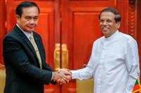 President of Sri Lanka Maithripala Sirisena and Thai Prime Minister Prayut Chan-o-cha (L)