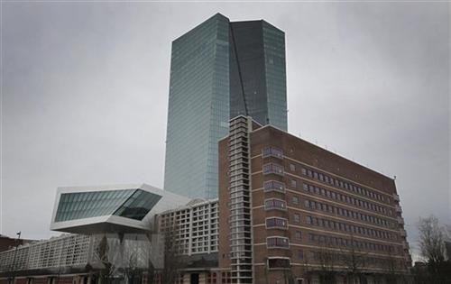 Trụ sở Ngân hàng Trung ương châu Âu (ECB) tại Frankfurt am Main, Tây Đức ngày 12/3/2020. (Ảnh: AFP/TTXVN)